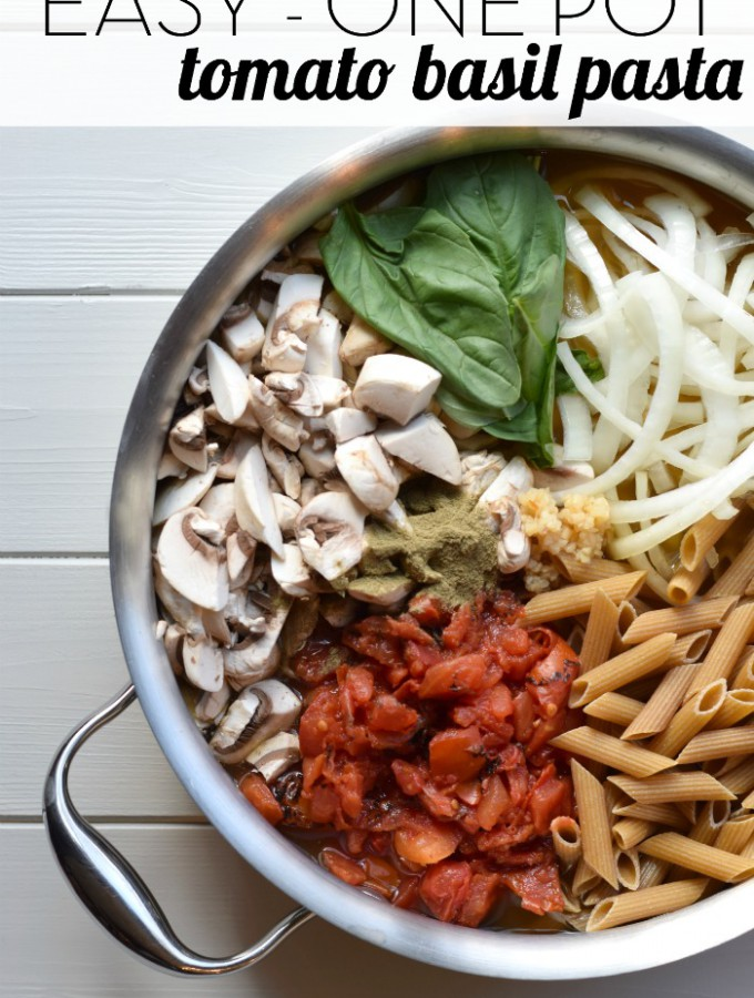 You won't believe how easy it is to make this delicious one pot pasta recipe! Just throw all of the ingredients into a pot, including the uncooked pasta, and less than 20 minutes later you have a healthy dinner on the table! | Feel Great in 8 - Healthy Real Food Recipes