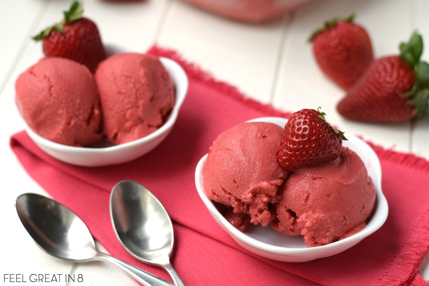 You only need 5 minutes and 4 healthy real food ingredients to make this Homemade Strawberry Frozen Yogurt - No ice cream maker required! At only 100 calories per serving, you'll love this sweet guilt-free dessert!
