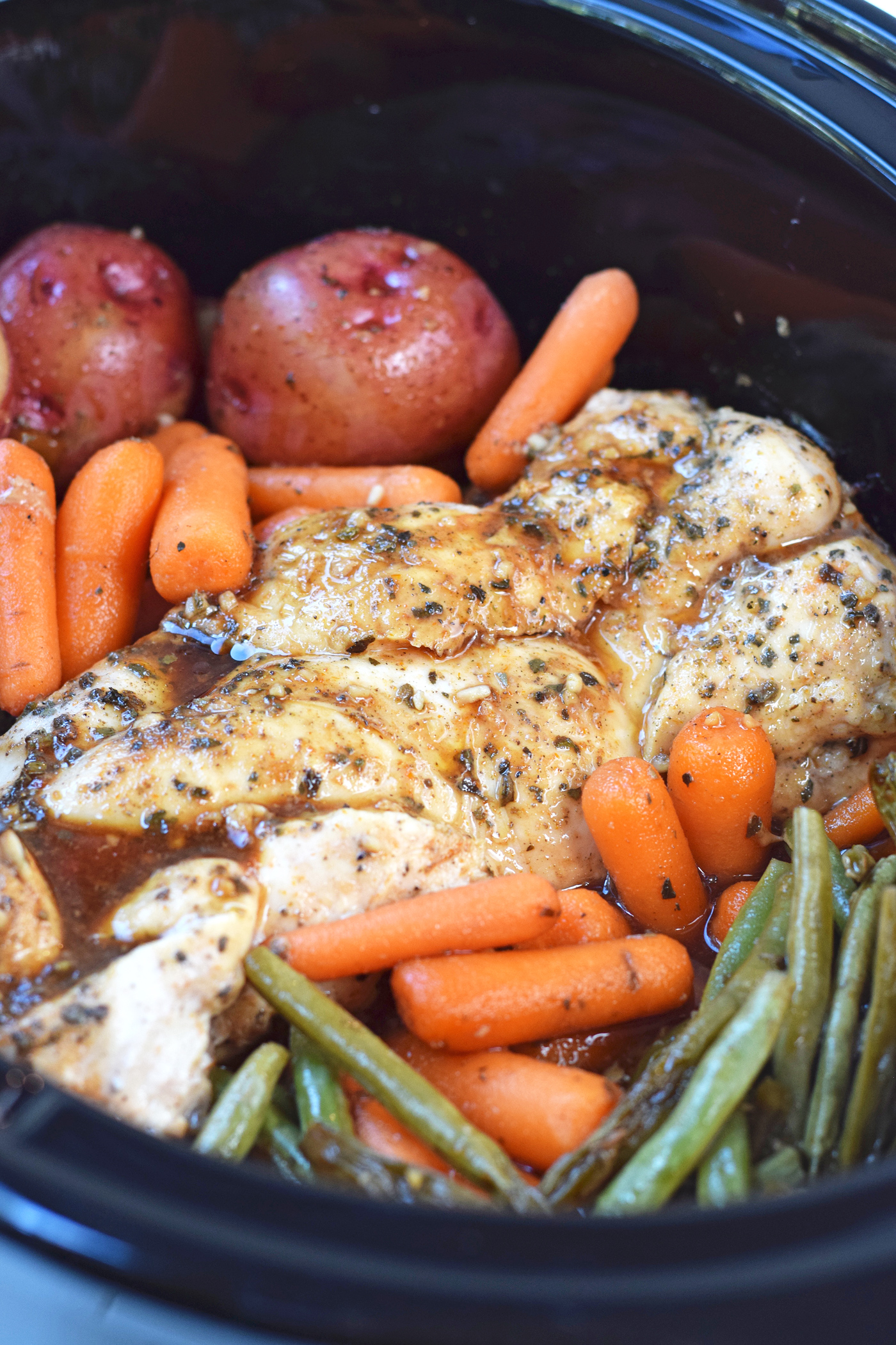 Slow cooker honey garlic chicken and vegetables feel great in 8 blog slow cooker honey garlic chicken and vegetables this easy and healthy crock pot dinner is forumfinder