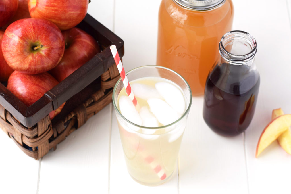 Simple-Homemade-Drink-to-Stop-Sugar-Cravings-3