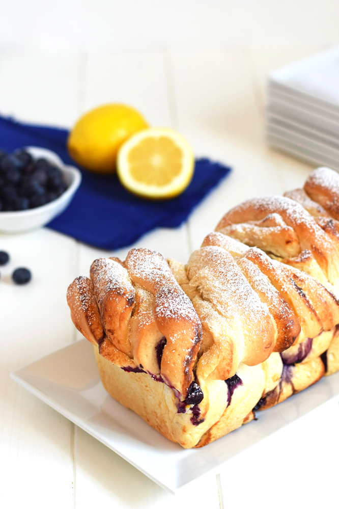 Blueberry Cream Cheese Pull Apart Bread - This gorgeous bread with a blueberry lemon cream cheese filling is so simple to make with frozen dough! Perfect for breakfast of brunch.